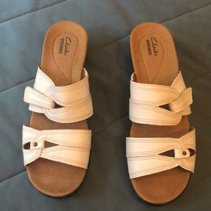 Clarks women sandals. Size 9 (see photo)